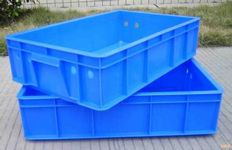 Food containers are not sanitized before being reused, contributing to cross contamination.